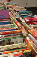 Boekenverkoop in Bibliotheek Helmond